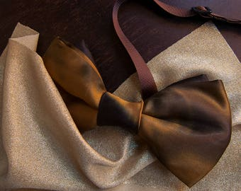 Gold satin bow tie, with golden highlights