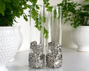 Two Arthur Court Collection Beautiful Home Decor Glass Vases Glass And Pewter Metal Bunny
