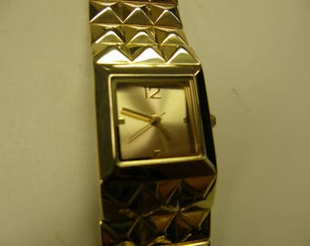 Elegant Ladies Dress Watch - Never Used - Gold Tone