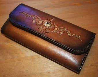 Large women's wallet