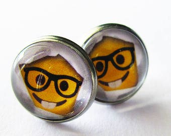 Cabochon 12 mm earring / Smiley nerd
