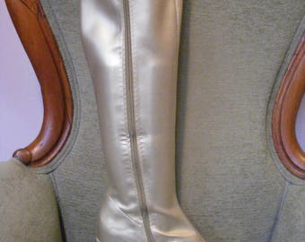 Women's Go Go Boots Gold Size 10