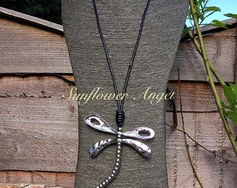Spinning silver Dragonfly pendant, necklace, on a long leather thread, stunning !!!