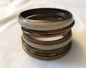 Set of Bracelets, Vintage Bracelets, Brons and offwhite tone