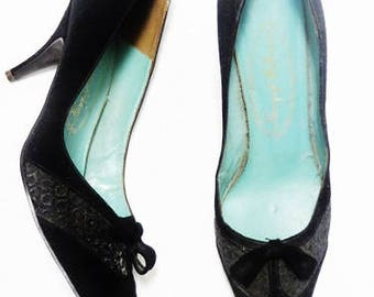 Vintage 60s Ladies Stiletto Heels - Sz 7 - Oh those Pointy Toes!