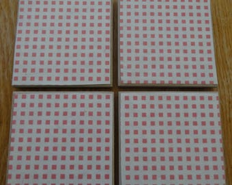 Set of 4 tile coasters, pink and white check