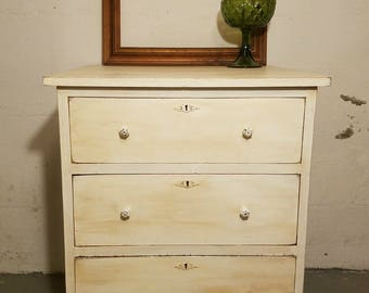 THIS ITEM SOLD****Rustic Chest of Drawers