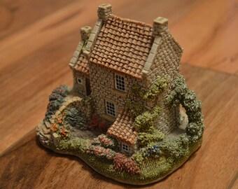 Lilliput Lane Collectible- Runswick House