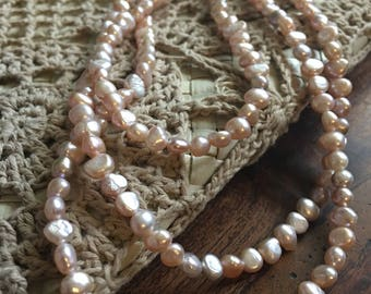 Light pink 3 strand pearl necklace