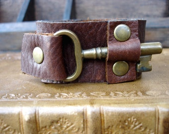 Brown Leather Cuff with Antique Brass Skeleton Key - Brown Steampunk Leather Cuff Bracelet - Medium to Large