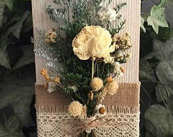 Dried flower rack, dried flower wall hanging, farmhouse decor, dried flower art, country decor, rustic flower art, country chic decor
