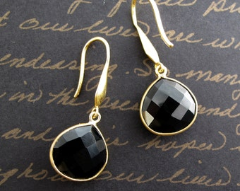 Black gold - faceted onyx bezeled beads with gold plated earwires
