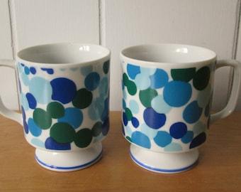vintage blue bubble pedestal mugs