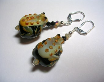Frog Earrings  Large Chunky lampwork frogs accented with swarovski crystals wire wrapped onto silver place leverback hooks.  Adorable frogs