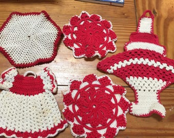 Red and white crochet pot holders and hot pads