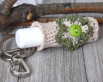 Cottage Chic Keychain Lip Balm Holder, Crochet Keychain Lip Balm Cozy, Beige & Lace Lip Balm Keychain with Olive Green Daisy Flower