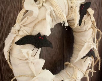 "Primitive Black Bats Wreath – 12"" Fabric Halloween Wreath – Rustic / Fall / Indoor Decor"