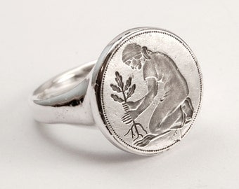 Seedling Seal ring - silver