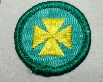 Vintage Girl Scout Merit Badge/Patch HEALTH AID