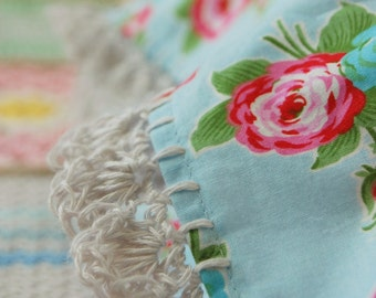 pillowcase with crochet trim  -  Rosy Cheer