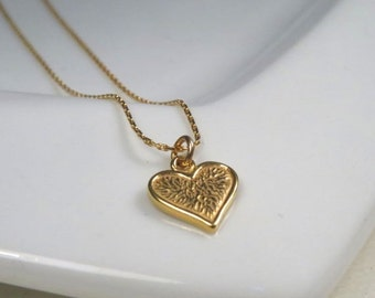 SALE - Tiny gold heart necklace, minimalist heart necklace, valentine necklace, gift for women