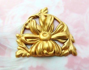 Closeout BRASS * Scroll Daisy Flower and Leaf Stamping ~ Jewelry Ornament Findings ~ Brass Stamping (FB-6058)