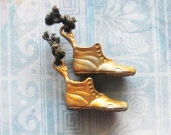 Cracker Jack Shoe Boot Charm Gumball Lot Metal Antique Premium Prize Toy Token Novelty Jewelry Pendant Bracelet Embellishments