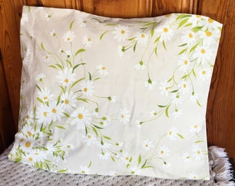 Vintage king OR standard set of two pillowcases daisy daisies bedding pillow cases cottage home decor