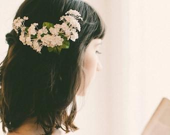 White baby's breath flower clip, Floral bridal clip, Unique wedding hair accessory, Updo side bun back clip, White flower clip