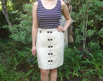 Vintage Oatmeal Tweed Pencil Skirt with Contrasting Navy Buttons M