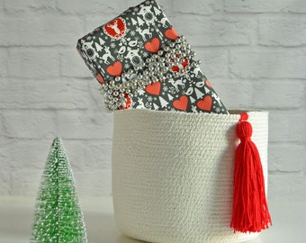 Cotton basket with red tassel
