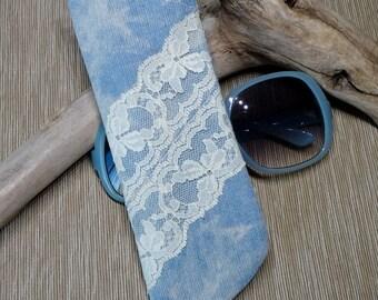 Sunglass Case, Eyeglass Case, Faded Blue Denim Fabric Sunglass Sleeve, Ivory Vintage Lace Trim, Fabric Sunglass Sleeve, Cottage Chic
