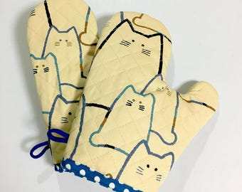 Oven Mitt --- MORE CATS - Blue   Set of 2