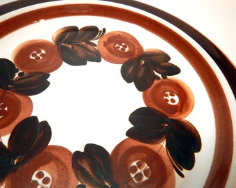 Arabia Finland ROSMARIN Brown - Round Platter - Chop Plate - Charger- Serving Plate