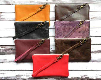 Leather Wristlet, Zippered pouch, leather purse, Small bag, makeup bag, Personal Pouch, Zipper top organizer, Removable strap, Coin purse