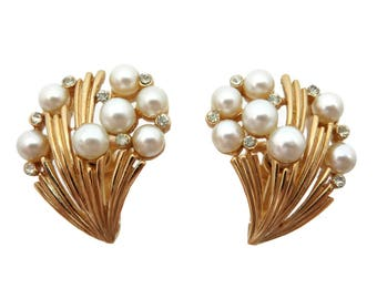 Trifari Earrings -  Vintage Costume Jewelry, Faux Pearls, Rhinestones, Bridal, Wedding, Gold Tone