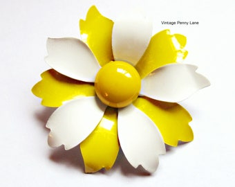 Yellow and White Daisy Flower Power Brooch, Vintage Enamel Metal Pin