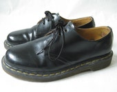 Vintage DOC MARTEN Made in England Chunky Oxfords. Size 6 UK// Size 8 1/2 U.S.