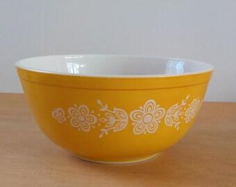 Vintage Pyrex Butterfly Gold Mixing Bowl • Vintage 403 2 1/2 Quart Mixing Bowl