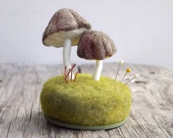 Miniature Mushrooms Pincushion, Mushroom Pin Cushion, Sewing Accessories, Woodland Scene, Sewing Table Decor, Crafty Mom Gift, Made To Order