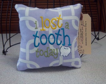 1003  Lavender and White Tooth Fairy Pillow