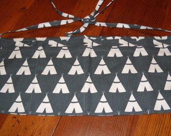New. Canvas. Vendor's Apron. Waitress Apron. Teacher's Apron. Nail Apron. Dark Grey. Tee Pees. Crafting.