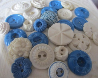 Vintage Buttons - Cottage chic mix of blue, and white lot of 27 old and sweet(jan 87-1)