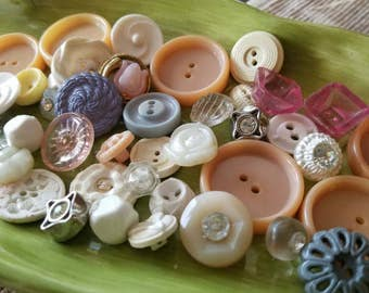 Vintage Buttons - Cottage chic mix of assorted pastel  lot of 43 old and sweet(mar 58 17)
