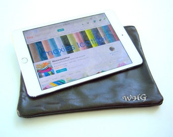 Ipad leather case - monogram leather ipad case - personalized leather ipad holder - ipad sleeve - leather pouch - diy leather case