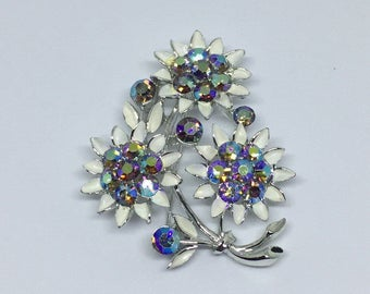 Signed Lisner Vintage Flower Brooch