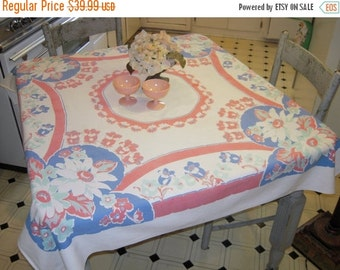 WINTER CLEARANCE SALE Vintage Tablecloth Daisies & Daffodils
