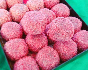 NEW Fresapeachy: raw vegan energy balls with Strawberry & peach. Organic and no gluten or refined sugar