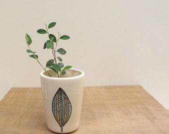 Small leaf design vase, blue fall leaf vase, small ceramic vase, woodland home decor, hand drawn fall leaf design.