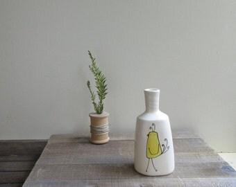 Yellow bird vase, bird vase, small bird flower vase, ceramic spring flower garden vase